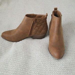 Cognac ankle boots/booties